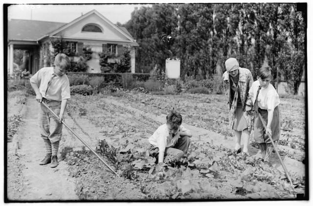 Children's Garden 1928