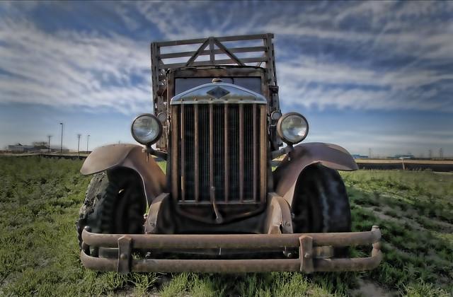 old truck ala topaz / hdr
