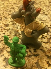 army men(1.0), miniature(1.0), figurine(1.0), toy(1.0),