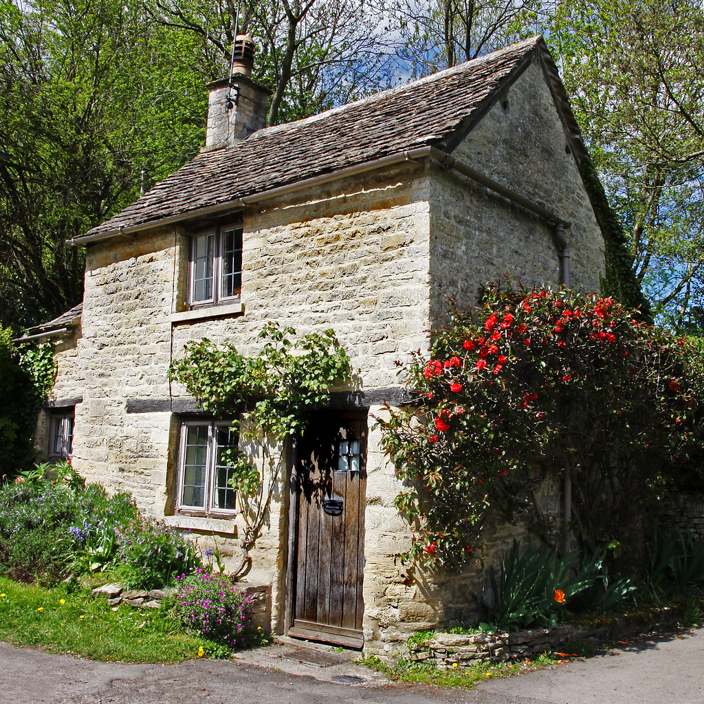 home garden information center cottages anglais. Black Bedroom Furniture Sets. Home Design Ideas