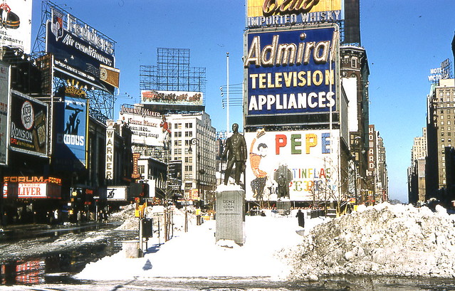 NYC - 1961 - snow inTimes Sq