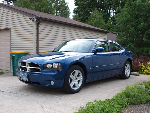 2010 Dodge Charger 4