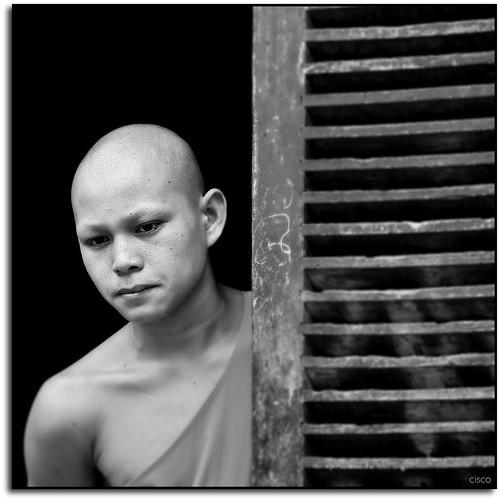 "portrait bw monk cisco laos ritratto bianconero luangprabang photographia ""photographia"" ทุ่มเทให้กับค่า dedicataalori lorytravelforever༽"