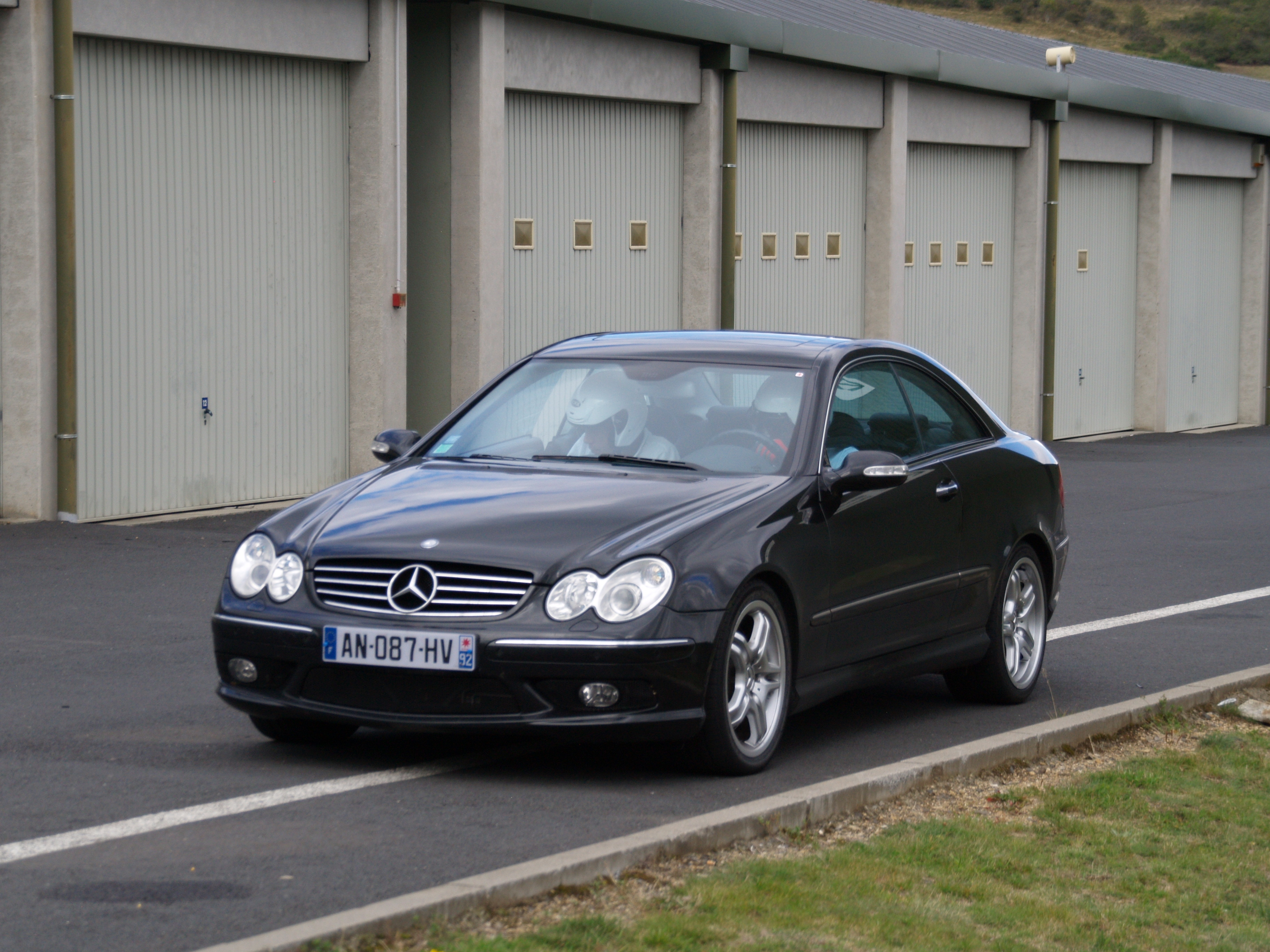2005 mercedes benz clk55 amg images pictures and videos for Mercedes benz clk55 amg