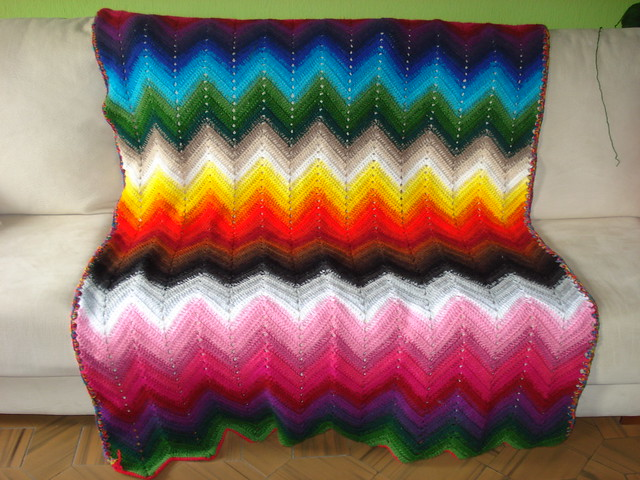 Crochet Zigzag Blanket : 4276714240_ebd18ef5bb_z.jpg