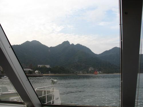 light cloud japan ferry port sunrise dawn harbor lumière miyajima 日本 nuage 雲 japon leverdesoleil 光 港 aube 宮島 フェリー 暁 朝日