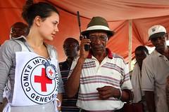 Un equeipo de Cruz Roja en Haiti