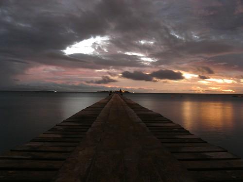 new blue sunset sea sky sun beach nature clouds sunrise soleil lagoon ciel nuage plage nouvelle caledonia ponton meridien caledonie couche jblegrand