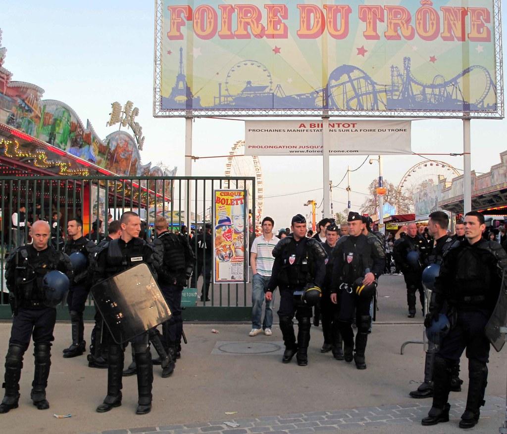 10d16 Foire du Trône078 variante Fuerzas anti disturbios