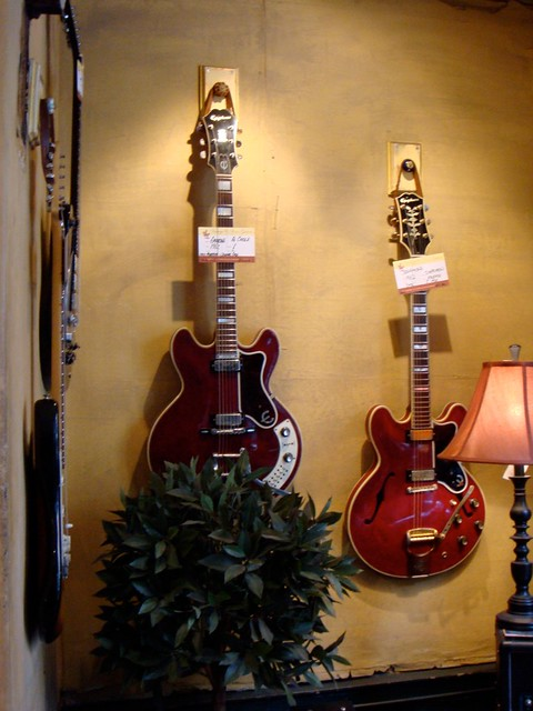 Vintage Epiphone guitars | Here are a couple of really nice