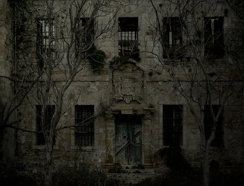The haunted prison of La Mola by B℮n