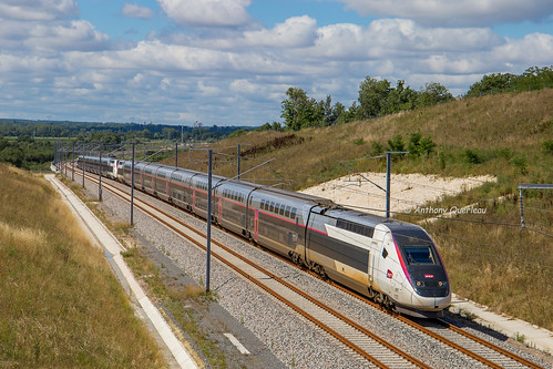 02 juillet 2017 TGV D 851-861 Train 8484 Bordeaux -> Paris Cubzac-les-Ponts (33)