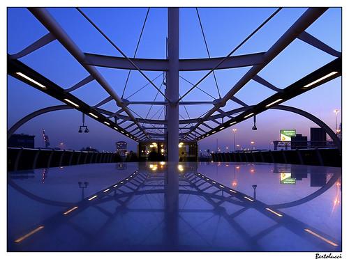 netherlands geotagged stainlesssteel bluehour ret metrostation schiedam zwartsjansma geo:lat=5190869 imperfectsymmetry lumixgvario14453556ois geo:lon=4371883