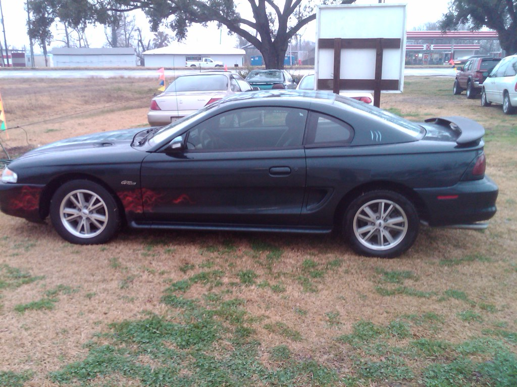 Fs 2006 Mustang V6 16 Factory Wheels In Baton Rouge La 300 Obo