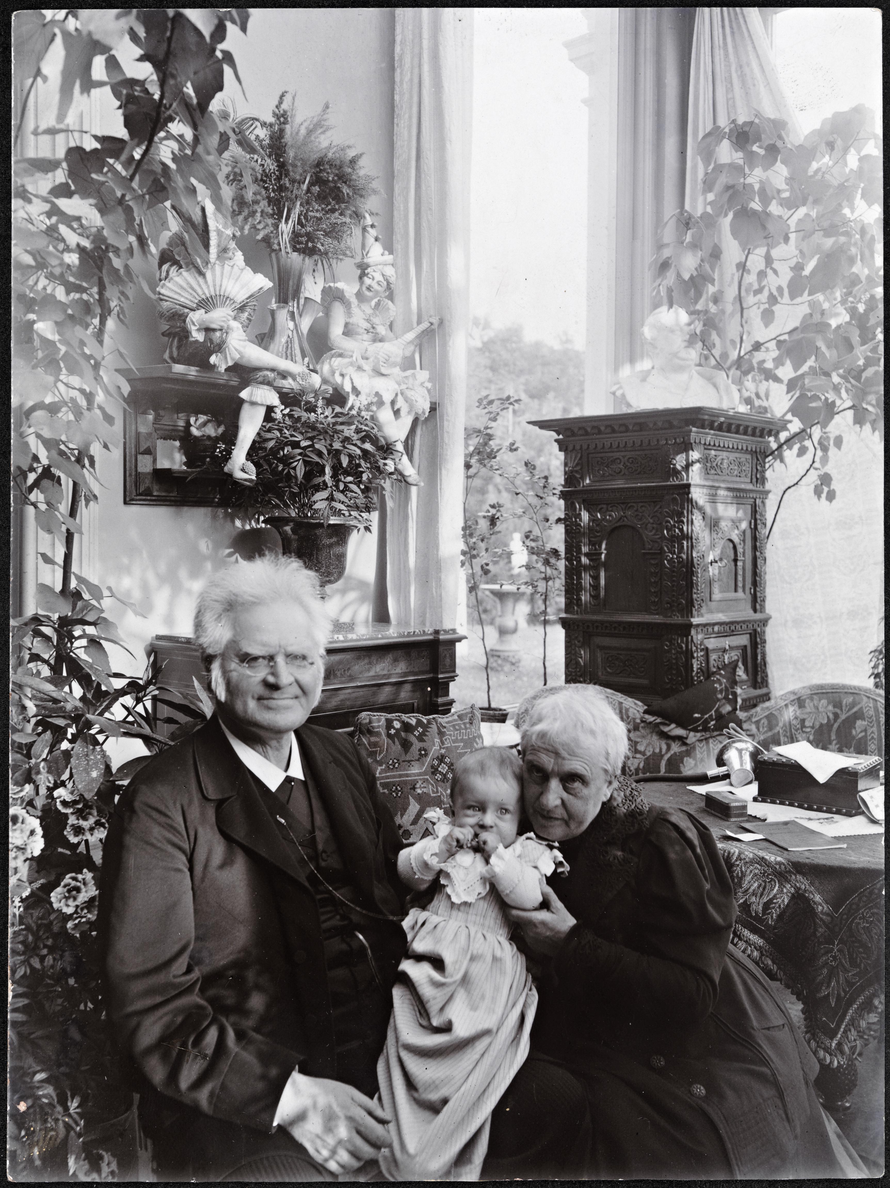 Bjørnstjerne Bjørnson og Karoline på besøk hos Jacob Hegel, ca 1902