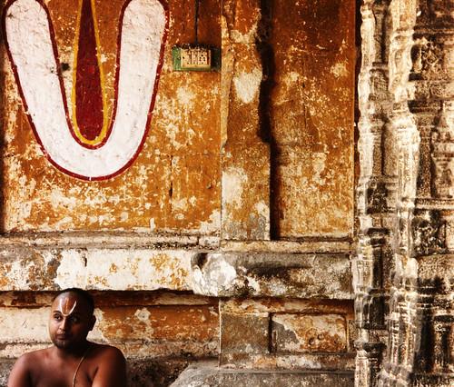 india canon god spirit religion belief lord divine holy similar tradition hindu chennai hinduism thursday sect religions deity tamilnadu iyengar divinity creed spritual kanchipuram naama march18 caste vaishnava kancheepuram 40d naamam sricharanam