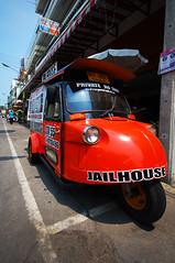 car_tuktuk1