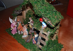 army men(0.0), christmas decoration(0.0), toy(0.0), decor(1.0), christmas(1.0), nativity scene(1.0),