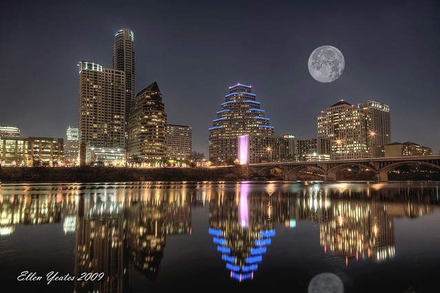 Austin Skyline with Moon por Elen Yeates