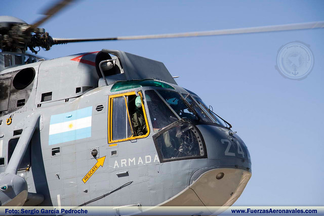 La Armada Argentina destacó medios para rescatar a una persona perdida 4291020994_f7d0d3beda_z