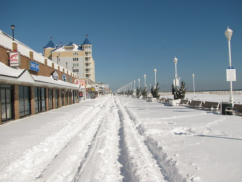OC needs to put titles in the flickr account - Ocean City MD in the Snow - Boardwalk