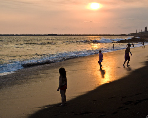 sunset sea beach kids canon atardecer eos mar guatemala playa niños pacificocean foam espuma 50d oceanopacifico pal1970