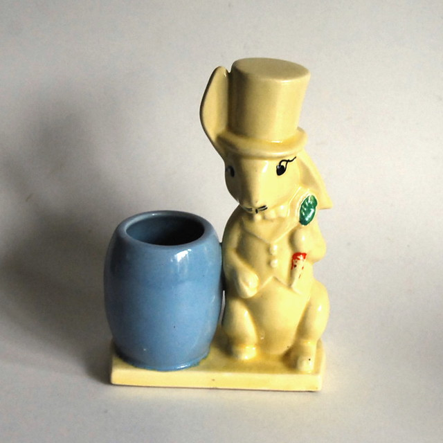 Vintage Morton Potteries Rabbit and Egg Planter