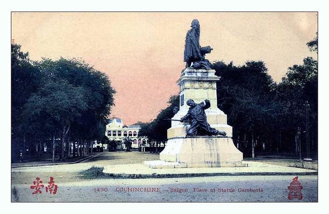 Vị trí đầu tiên của tượng Gambetta: Giao lộ Norodom và Pellerin (nay là ngã tư Lê Duẩn - Pasteur)