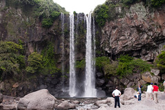Jeongbang-Falls-4