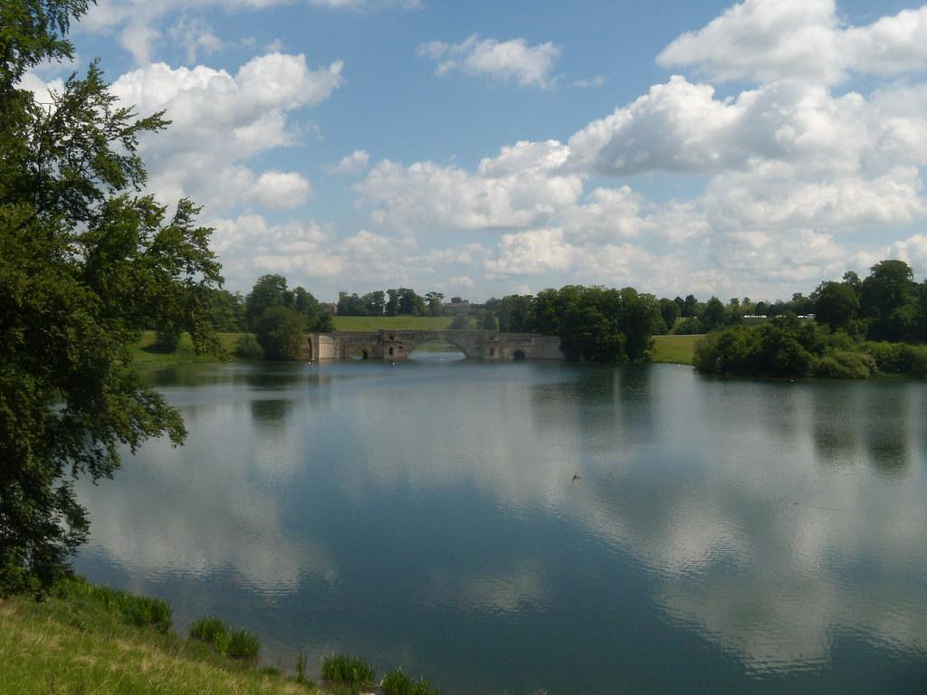 Blenheim Park Lake Hanborough to Charlbury