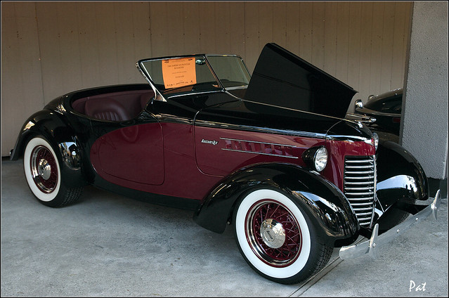 1940 American Bantam Roadster - maroon & black - fvr