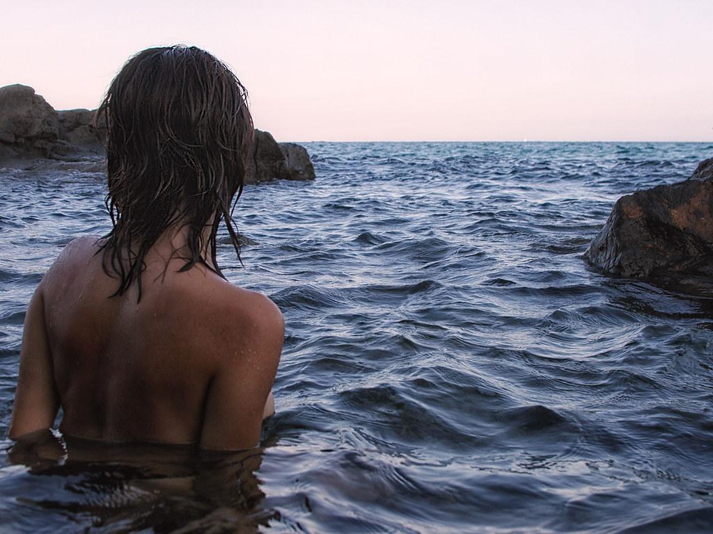 Kikka guarda il mare