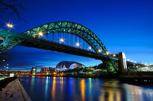 uk longexposure morning bridge blue england sky water sergio clouds sunrise reflections river newcastle dawn lights nikon long exposure unitedkingdom steel tripod wideangle landmark sage tyne gateshead tynebridge bluehour quays tyneside newcastleupontyne inghilterra d300 sigma1020 nohdr amiti motthayandanderson 5erg10 sergioamiti