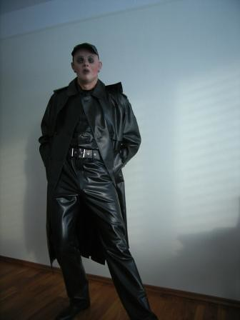 Latex Rainwear http://www.flickr.com/photos/lulax40/4279118546/