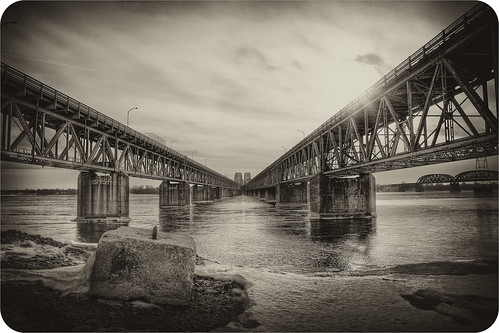 bridge bw white canada black canon eos quebec montreal 5d mercier hdr lightroom canoneos5d photomatix greatphotographers canonef24105mmf4lisusm silverefexpro