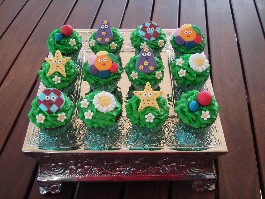 In The Night Garden Party Ideas Beautiful mossy s masterpiece cake cupcake designs s most recent mossy workwithnaturefo