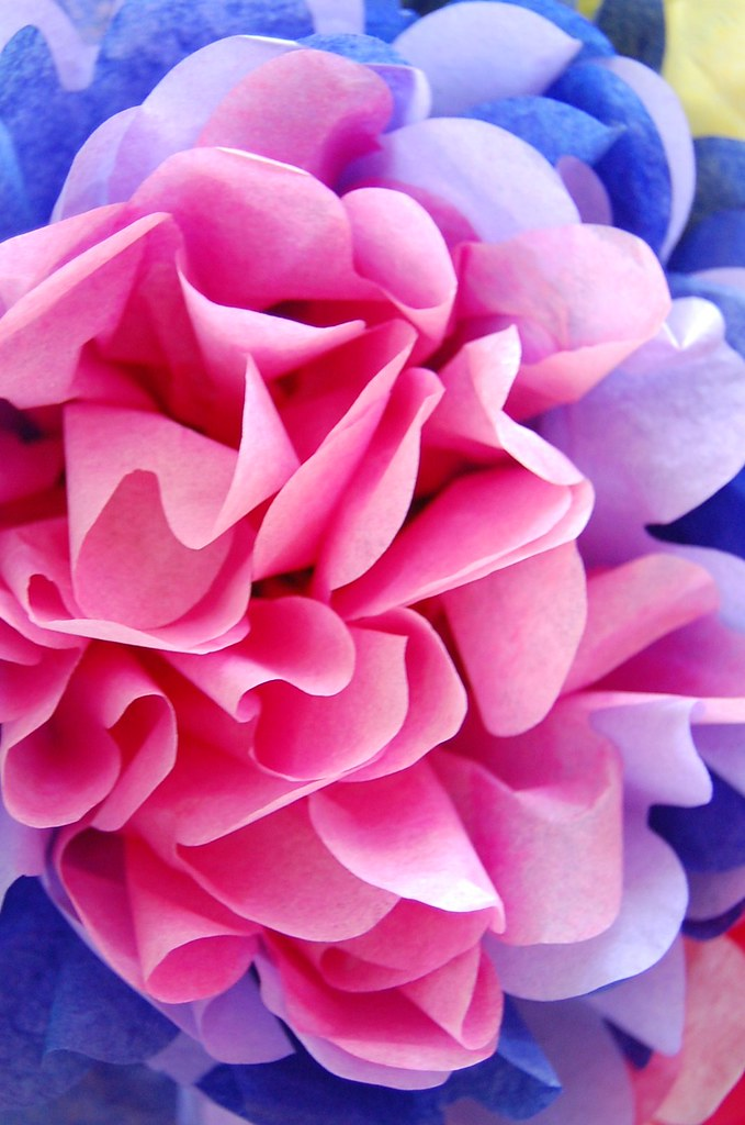 How To Make Flowers Out Of Tissue Paper Out Of Tissue Paper Best
