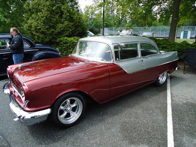 1955 pontiac chieftain 2 door sedan a photo on flickriver for 1955 pontiac chieftain 4 door