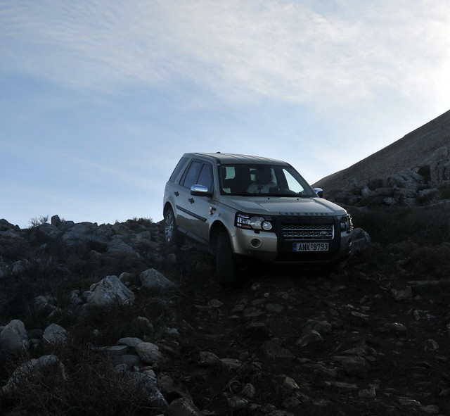 Land Rover Lr2 Off-road Driving