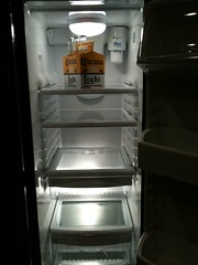 kitchen stove(0.0), kitchen appliance(1.0), refrigerator(1.0), major appliance(1.0),