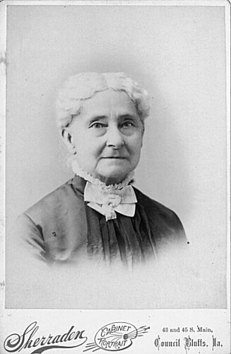 ameila bloomer An american advocate of woman's rights in the early days of the feminist movement, amelia jenks bloomer (1818-1894) spent most of her life working for the.