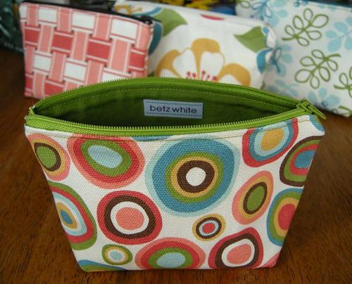 zippered pouch - organic cotton canvas