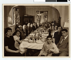 Smith family Seder in St. Paul