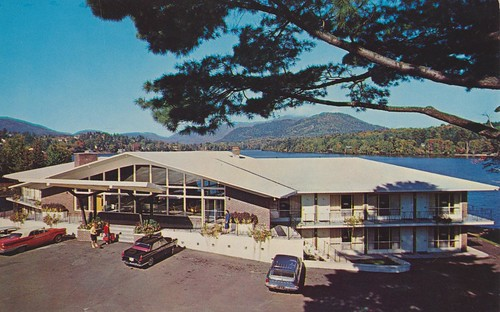 newyork vintage postcard motel lakeplacid goldenarrow motorhotel