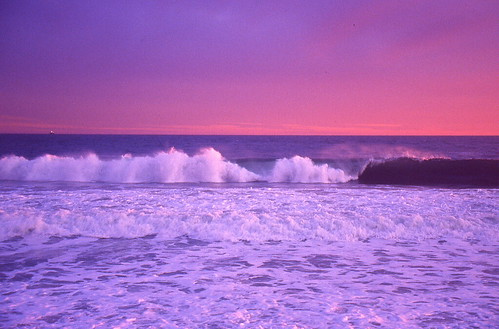ocean sunset usa film canon waves kodak unitedstatesofamerica slide rhodeisland photograph safe atlanticocean 2010 misquamicut westerly canoneosrebelx misquamicutbeach kodakextracolor