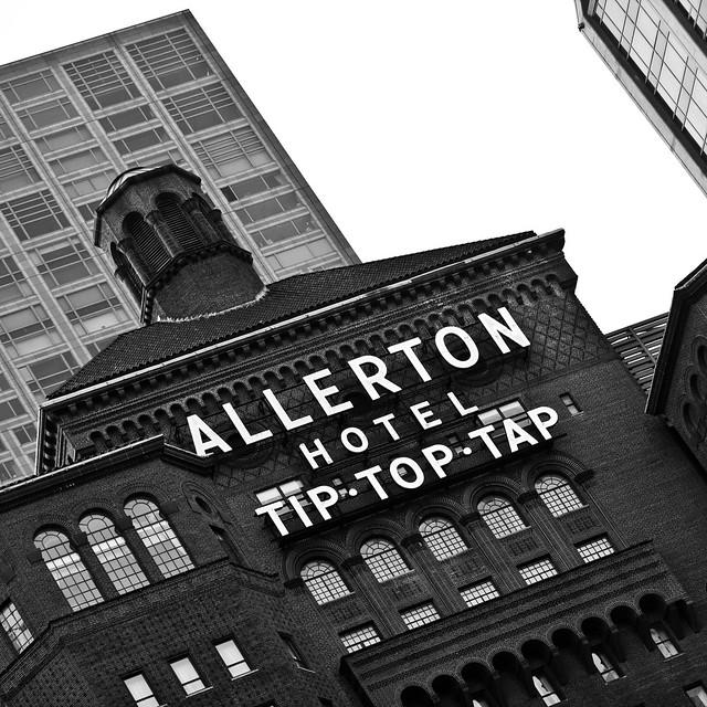 allerton hotel tip top tap he allerton hotel chicago. Black Bedroom Furniture Sets. Home Design Ideas