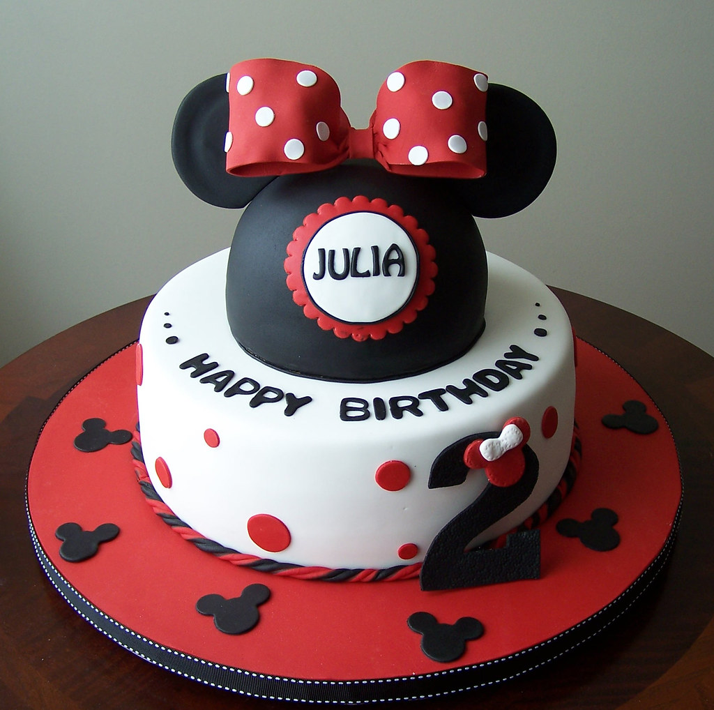 Minnie Mouse Cake I Loved Making This Cake Now Looking Flickr