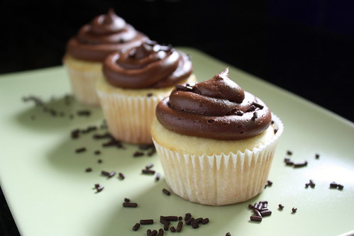 Vanilla Cupcakes with Fudge Buttercream Frosting ...