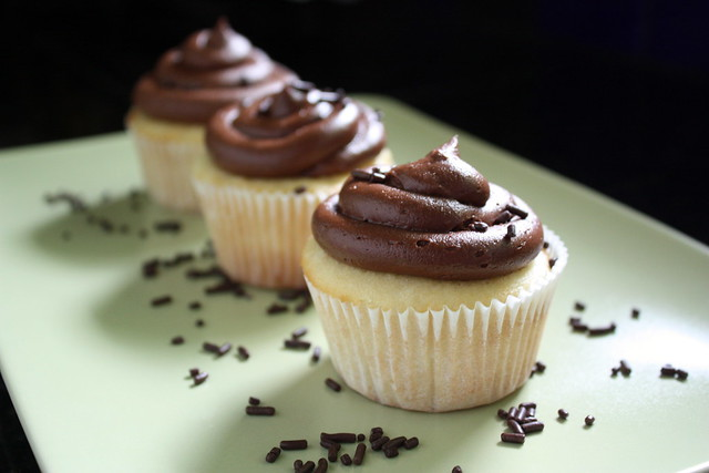 Vanilla cupcakes with chocolate buttercream frosting | Flickr - Photo ...