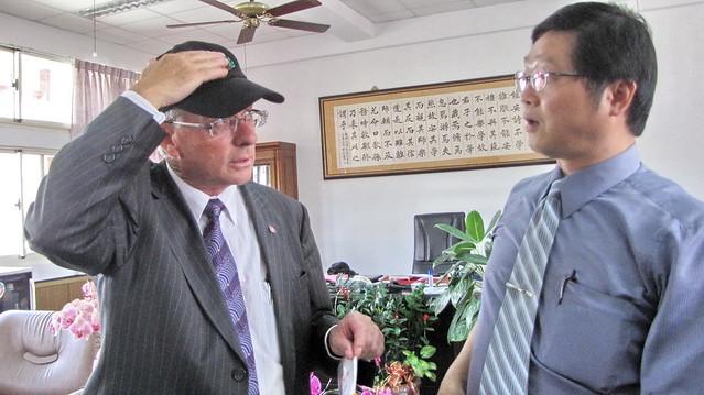 2010年5月份-金色山莊安排Hauraki市長拜會雲林縣麥寮高中